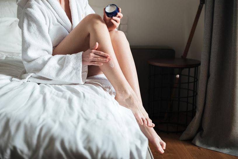 Smarujesz balsamami ciało codziennie? To duży błąd! /123RF/PICSEL