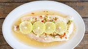 Smażona ryba z sosem cytrynowym