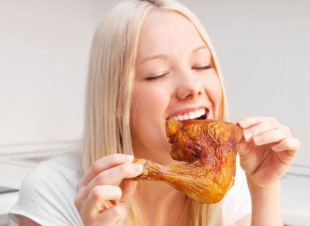Smażone jedzenie tuczy i jest niezdrowe /123RF/PICSEL