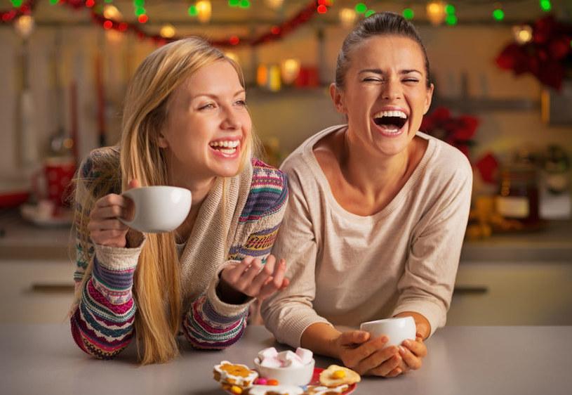 Śmiech a relacje /©123RF/PICSEL