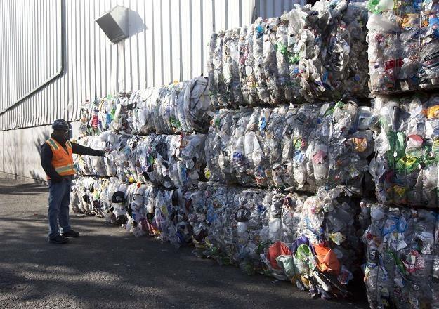 Śmieci to gigantyczny interes /AFP