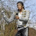 Śmieją się z pomnika Jacksona