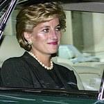 Śmierć księżnej Diany: 24 lata temu zginęła w tragicznym wypadku. Przed śmiercią próbowała rozmawiać z synami...