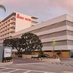 Śmierć Whitney: Niecodzienna decyzja hotelu