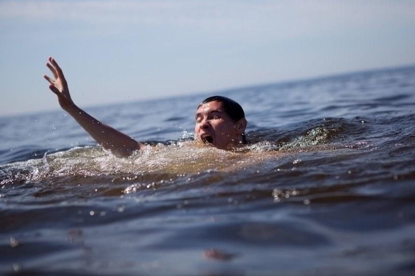 Śmierć z powodu utonięcia najczęściej dotyka mężczyzn /123RF/PICSEL