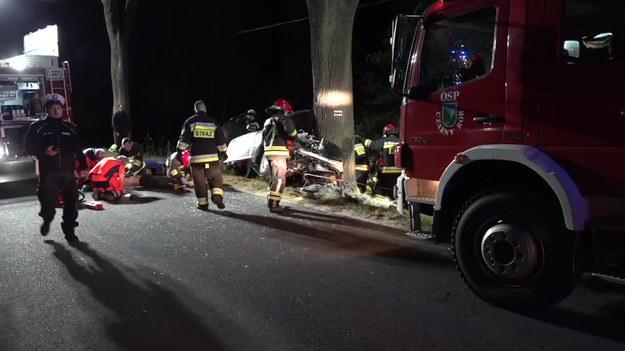 Śmiertelny wypadek pod Kamienną Górą na Dolnym Śląsku /TVN24/x-news