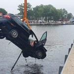 Śmiertelny wypadek w Mrzeżynie. Samochód wjechał do kanału portowego