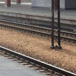 Śmiertelny wypadek w rejonie stacji kolejowej. Pociąg potrącił pieszego
