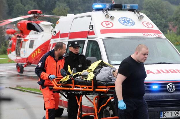 Śmigłowiec TOPR na lądowisku przed szpitalem w Zakopanem / Grzegorz Momot    /PAP