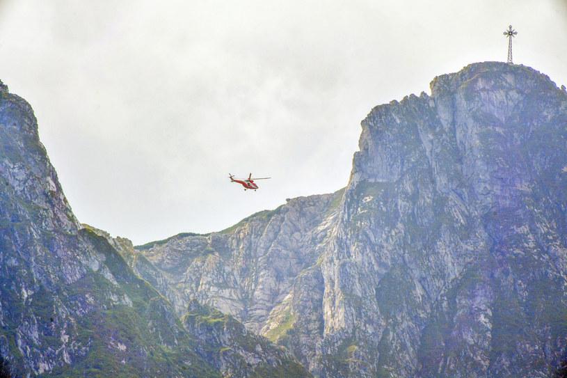 Śmigłowiec TOPR przy Giewoncie, zdjęcie ilustracyjne /Paweł Murzyn  /East News