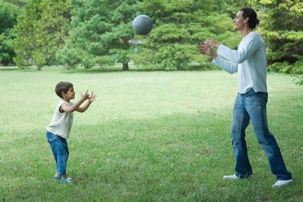 Smocze skwery mają być miniparkami, gdzie na świeżym powietrzu będzie ćwiczyć cała rodzina /© Bauer