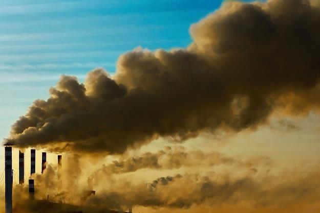 Smog groźny szczególnie dla dzieci i starszych /©123RF/PICSEL