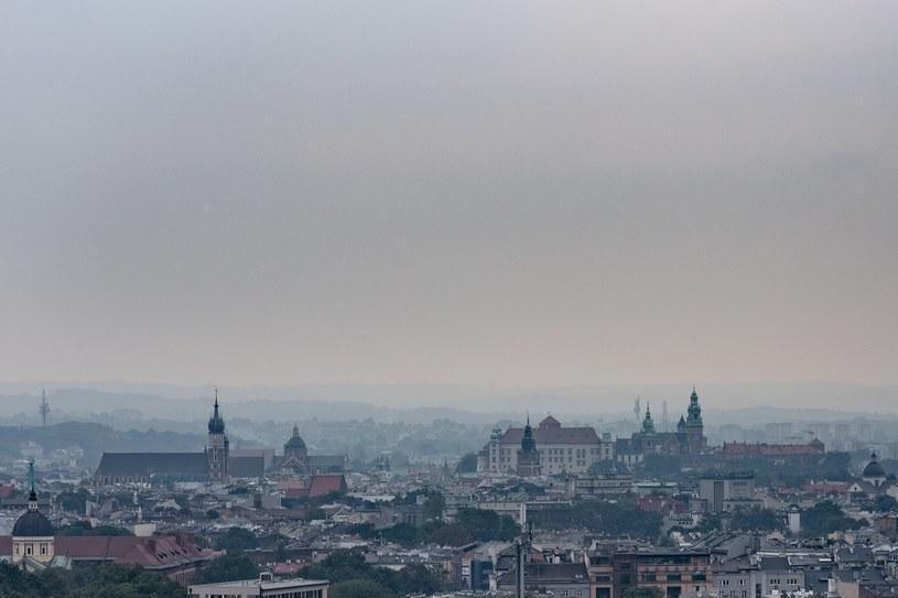 Smog nad Krakowem 24.11.2016 /Kuba Włodek /Reporter