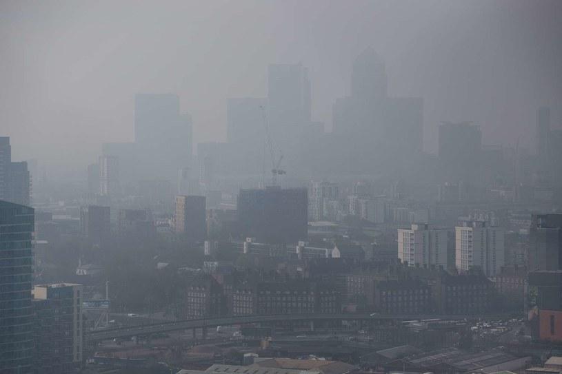 Smog nad Londynem /AFP