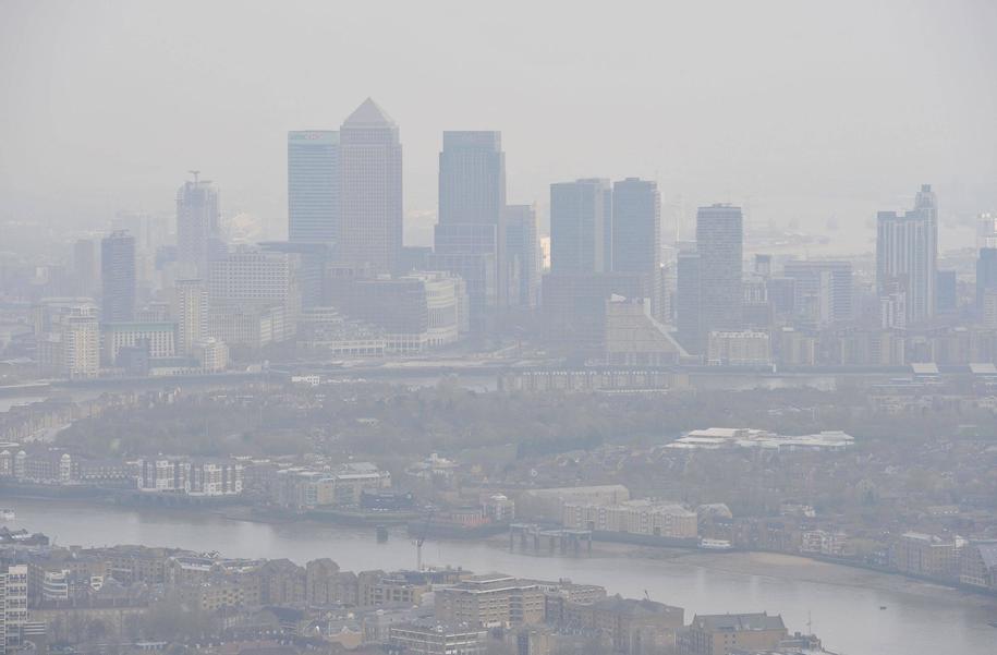 Smog nad Londynem / Nick Ansell /PAP/EPA