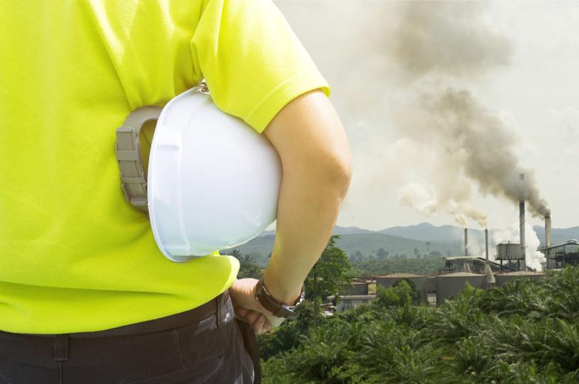 Smog to jedno z największych zagrożeń dla ludzkości /123RF/PICSEL