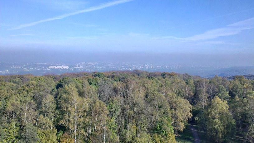 Smog unosi się nad miastem /Filip Krasiński /INTERIA.PL