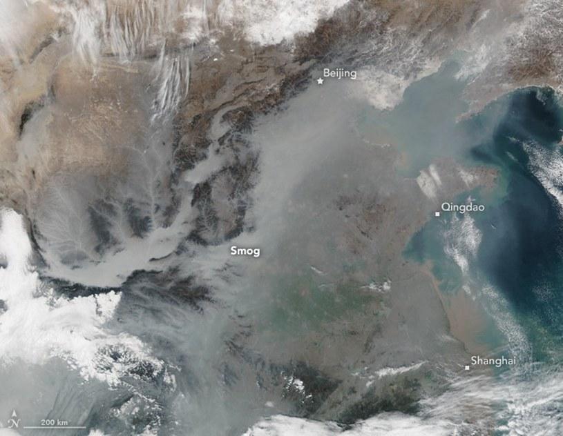 Smog w Chinach widziany przez Suomi NPP / Fot. - NASA / Jeff Schmaltz, LANCE/EOSDIS Rapid Response, Mike Carlowicz /Kosmonauta