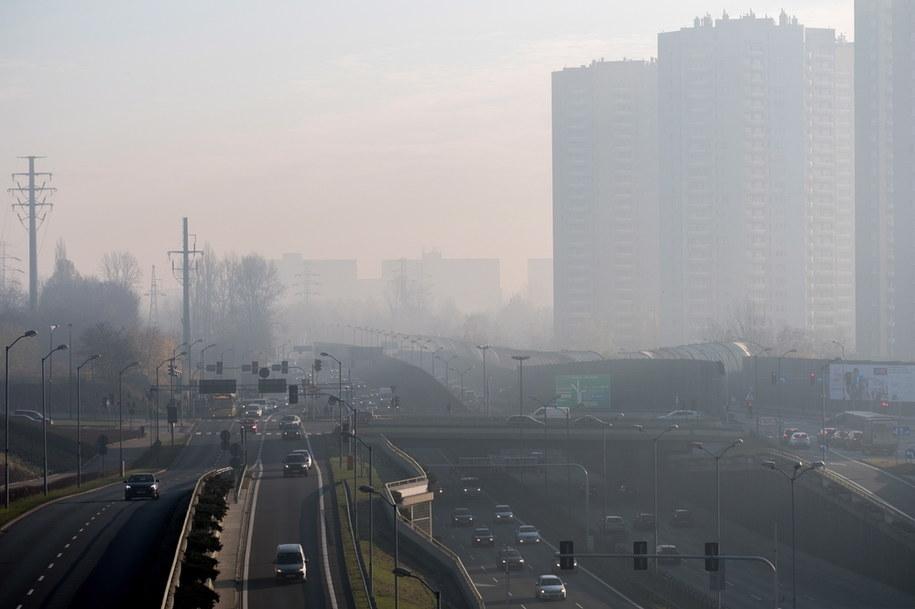 Smog w Katowicach (zdjęcie archiwalne) / Andrzej Grygiel    /PAP