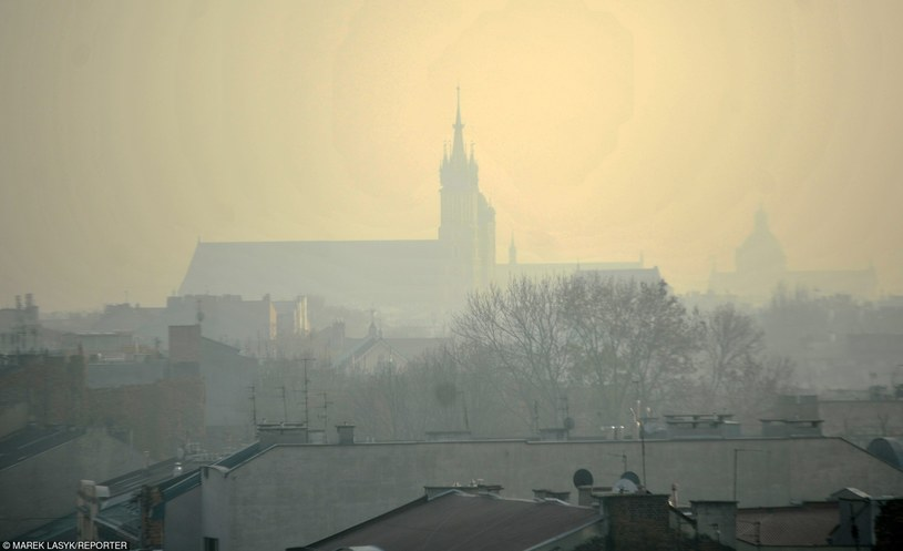 Smog w Krakowie /Marek Lasyk  /East News
