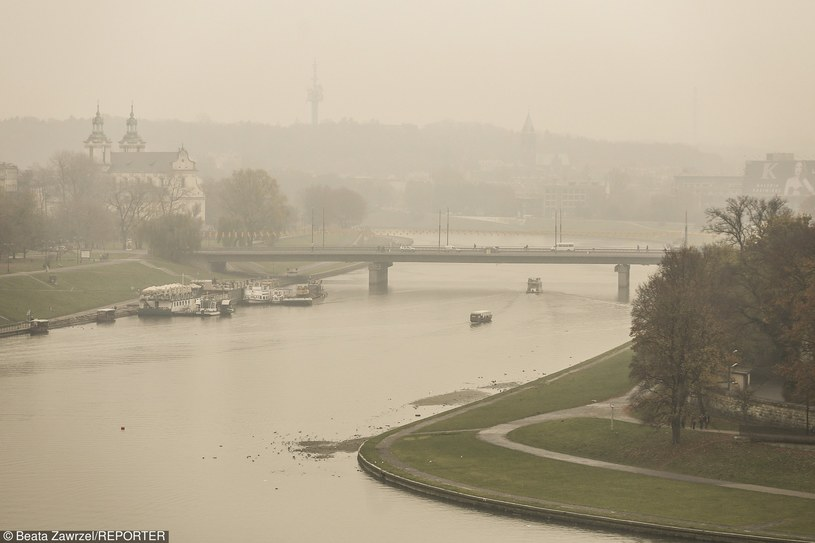 Smog w Krakowie /Beata Zawrzel/REPORTER /East News