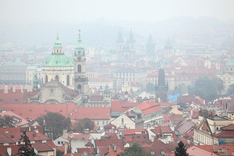 Smog w Pradze /123RF/PICSEL