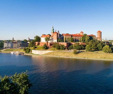 Smok, arrasy i tajemnicze kości. Co wiesz o Zamku Królewskim na Wawelu?