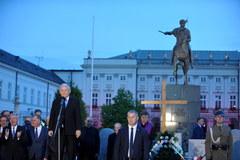 Smoleński marsz pamięci przeszedł przed Pałac Prezydencki