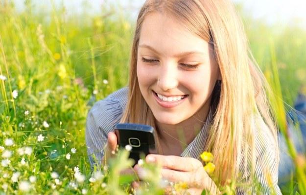 SMS-y mają już 20 lat - i nic nie zapowiada, aby miały odejść /123RF/PICSEL