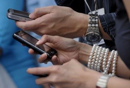 SMS-y nadal są doskonałym źródłem dochodów dla operatorów - nawet bez konkursów /AFP