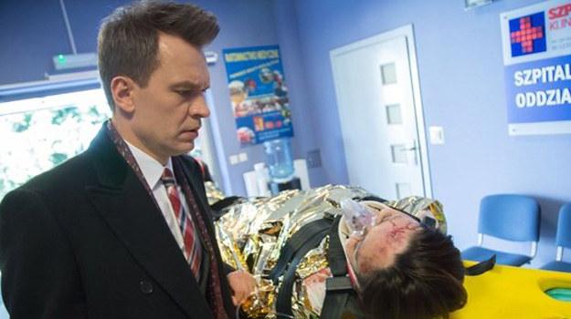 Smuda wyzna Falkowiczowi, że… to właśnie on jest ojcem jej dziecka! Tuż przed operacją Kasia poprosi profesora, by zaopiekował się małą Matyldą /www.nadobre.tvp.pl/