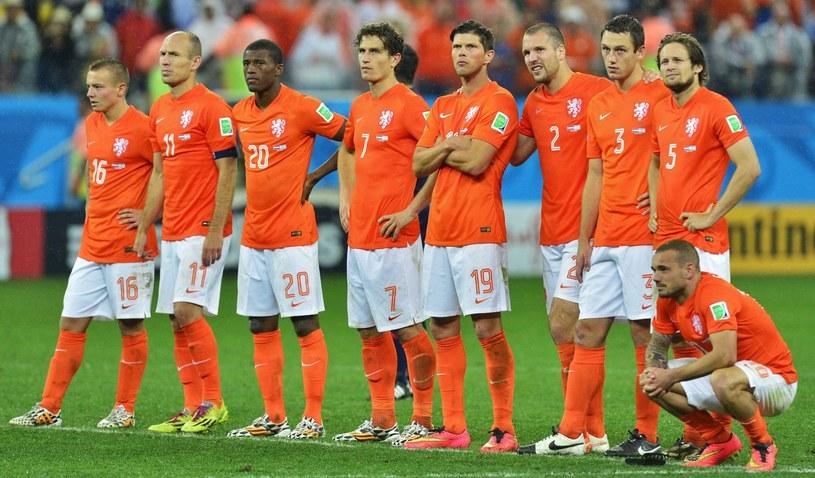 Smutek Holendrów po porażce z Argentyną w półfinale mundialu /PAP/EPA