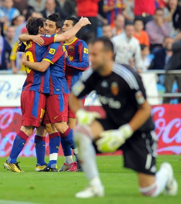 Snajperskie trio Barcelony: Lionel Messi (z lewej), David Villa (w środku) i Pedro /AFP