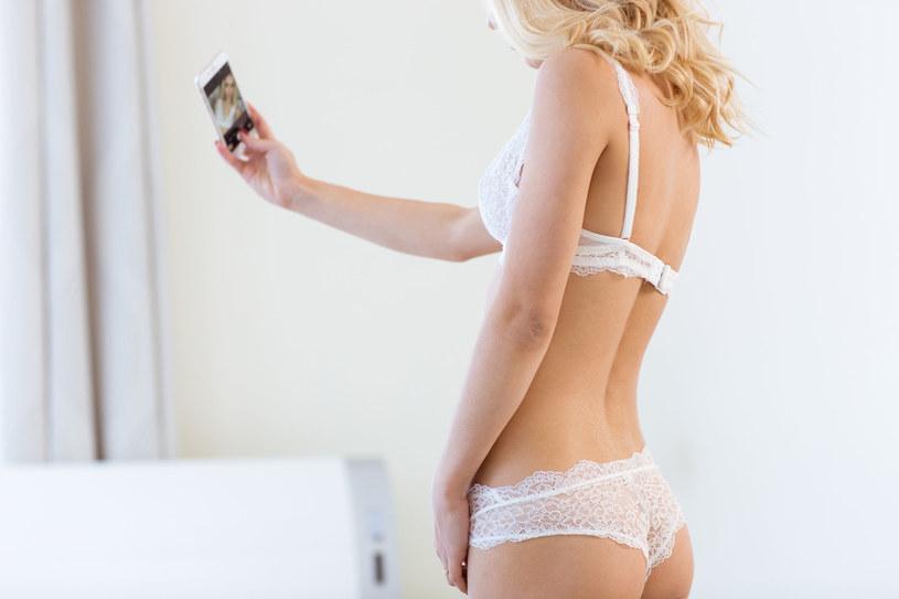 Snapchat to także sexting - młodzi ludzie, zachęceni iluzją prywatności i znikających wiadomości wideo, wysyłają sobie krótkie, rozbierane filmiki i zdjęcia /123RF/PICSEL