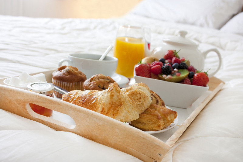 Śniadanie do łóżka /© Photogenica