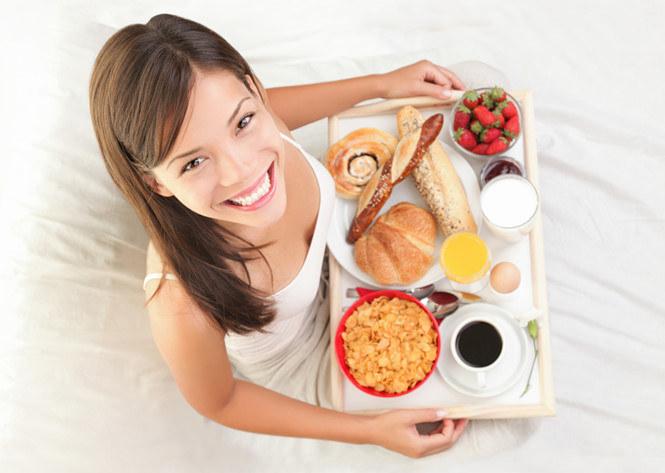 Śniadanie najważniejszy posiłek dnia /© Photogenica