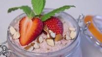 Śniadanie w słoiku. Przepis na obłędne musli z owocami