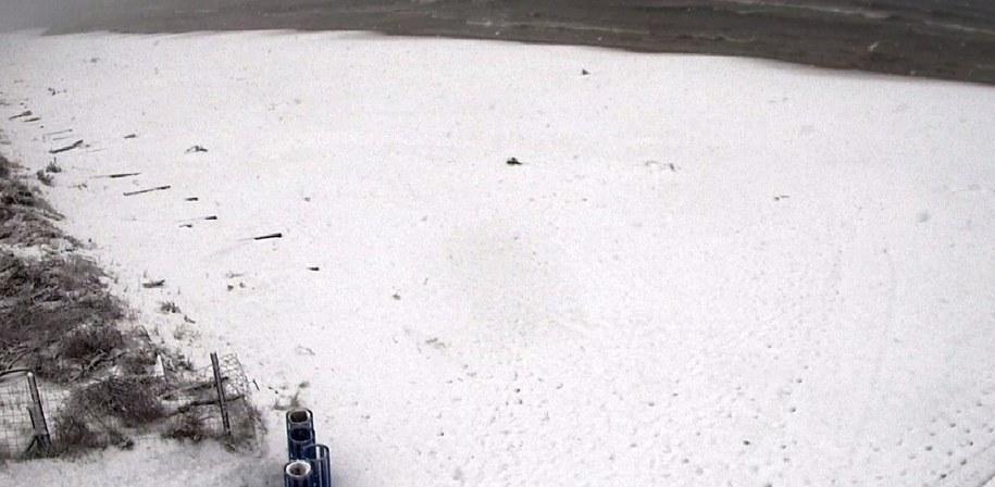 Śnieg na plaży w Dębkach /Gorąca Linia RMF FM