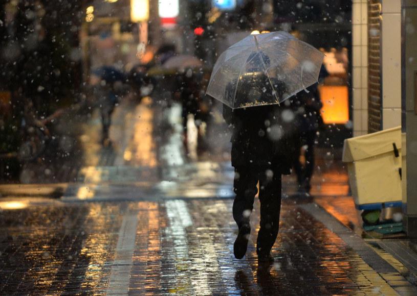 Śnieg spadnie i stopnieje (zdjęcie ilustracyjne) fot. Toru Yamanaka /AFP