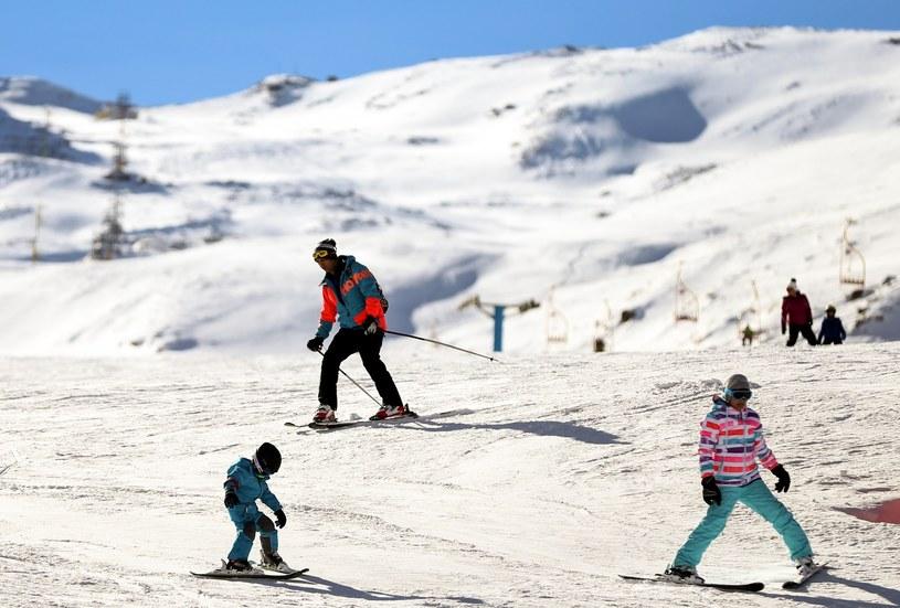 Śnieg w Dizin jest idealny dla narciarzy i snowboardzistów /Getty Images
