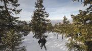 Śnieżna jama. Jak przeżyć noc w górach?