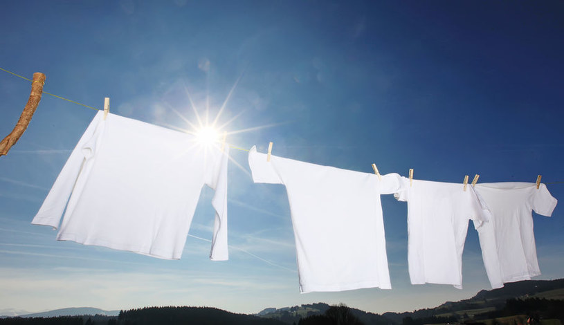 Śnieżnobiałe pranie /©123RF/PICSEL