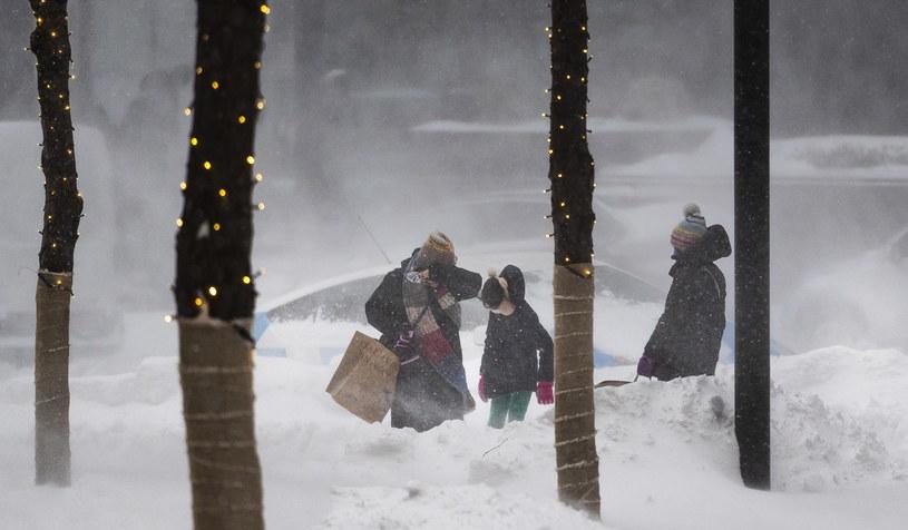 Śnieżyca w Nowym Jorku /JUSTIN LANE /PAP/EPA