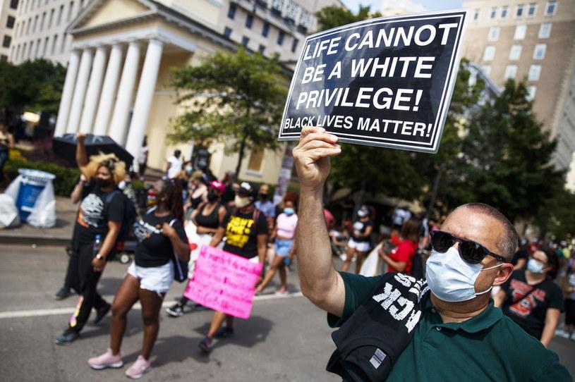 Sobotni protest w pobliżu Białego Domu /SARAH SILBIGER /PAP/EPA