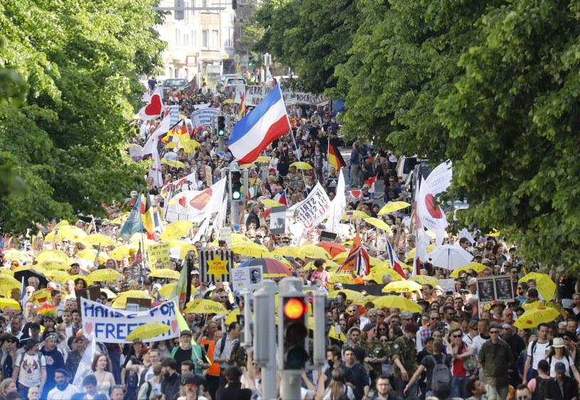 Sobotni protest w stolicy Belgii - Brukseli /JULIEN WARNAND /PAP/EPA
