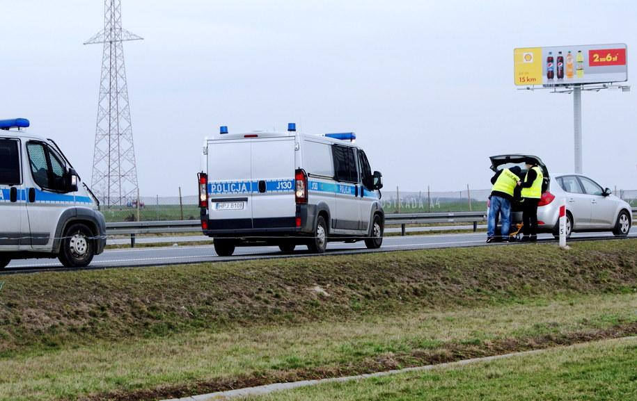 Sobotnie oględziny na autostradzie A4 w okolicach Lewina Brzeskiego /Brzeg24 /PAP