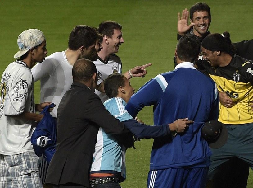 Sobowtór Ronaldinho na treningu Argentyny /AFP