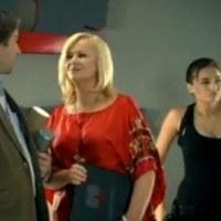 Sobowtóry Joanny Kurowskiej i Angeliny Jolie w reklamówce telefonii GSM /Internet