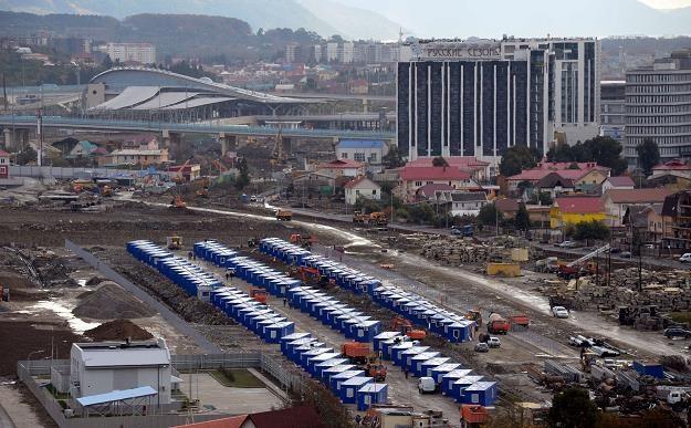 Soczi wciąż jeszcze przypomina wielki plac budowy /AFP