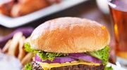 Soczysty burger wołowy